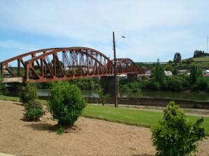 Puente ferroviario sobre río Cholchol